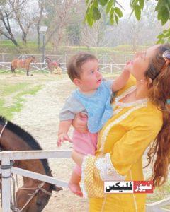 نمل اور فیملی مصطفیٰ عباسی کی خوبصورت تصاویر شیئر کرتے ہوئے
